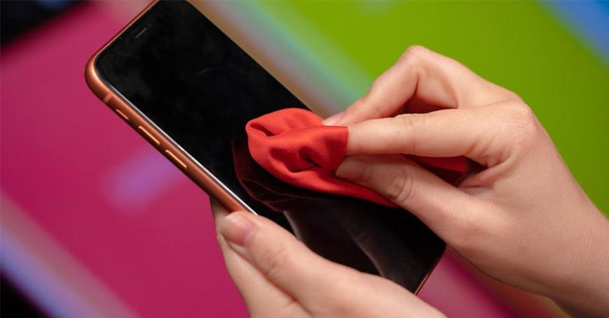 Kako da ekran smartfona održavate čistim, a da ga pri tome ne oštetite