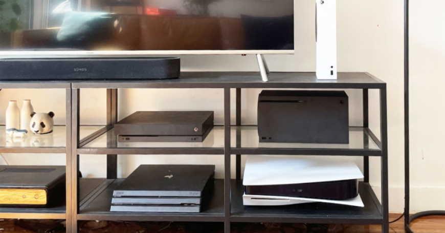 IKEA promoviše TV komode s policom predviđenom za gaming konzolu
